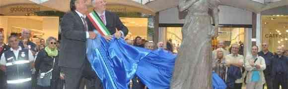 Riccione: inaugurata la statua a Maria Ceccarini