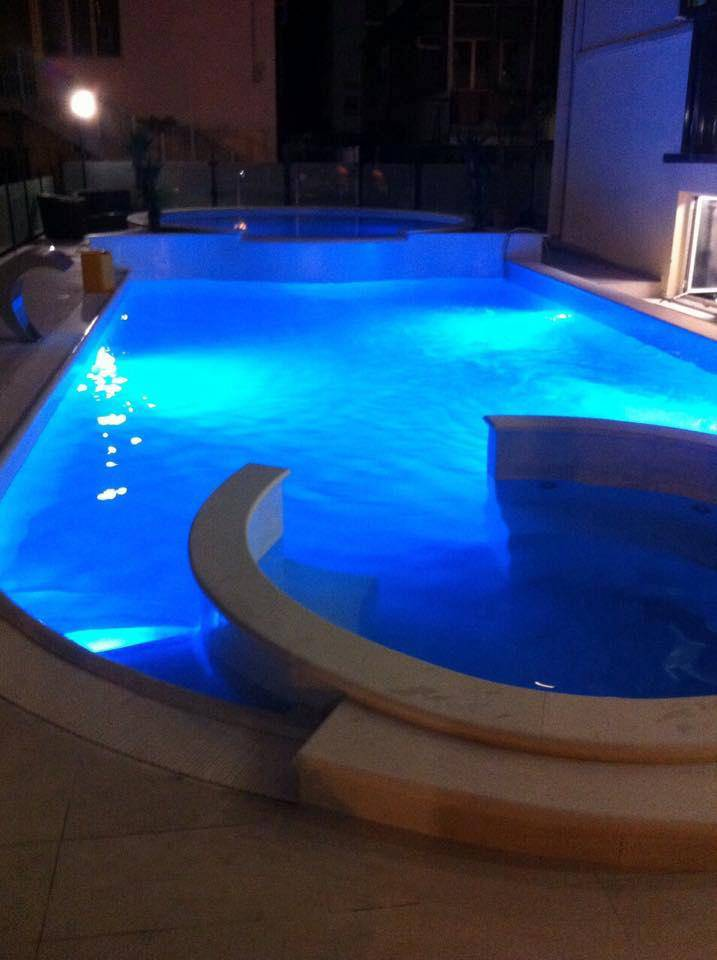 hotel piscina ambasciatori